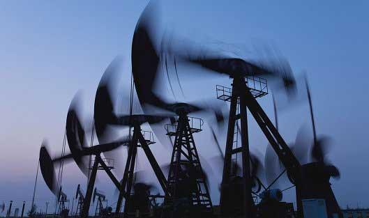 Провал переговоров о «заморозке» нефтедобычи привел к обвалу цен
