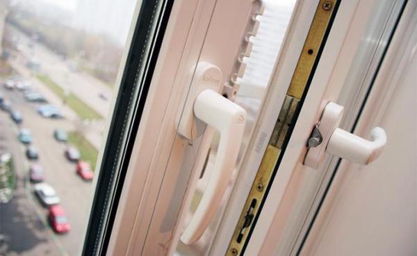 Лучшие способы защитить квартиру от шума и пыли