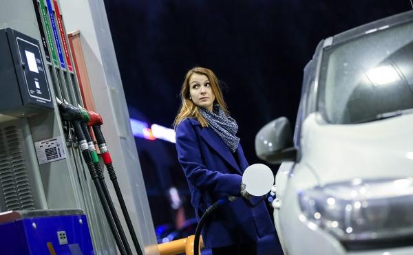 Независимым сетям АЗС разрешили поднять цены на топливо :: Бизнес :: РБК