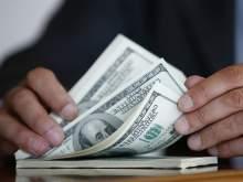 Курс доллара преодолел отметку 66 рублей впервые с ноября 2016 года