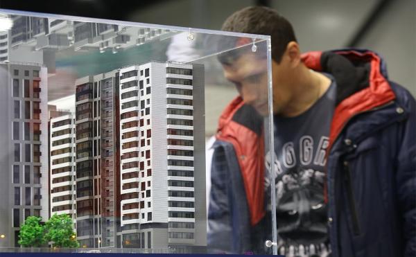 Каждый десятый россиянин запланировал покупку жилья или машины в 2019-м :: Бизнес :: РБК