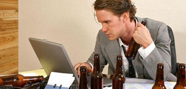 Трезвенники пропускают работу не реже алкоголиков