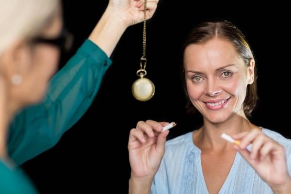 Гипноз эффективно борется с головной болью
